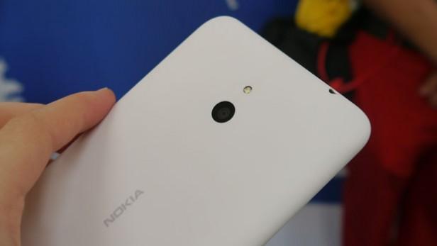 Nokia-Lumia-1320-camera