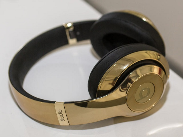 beats-studio-wireless-gold-pill-07-600