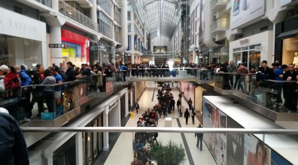 heres-what-torontos-eaton-centre-looked-like-this-morning