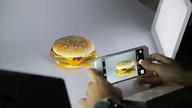 Photograph a Fast Food